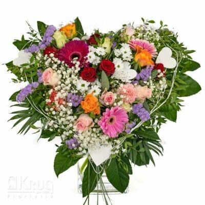 bunter Blumenstrauß in Herz-Form